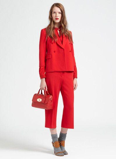 Bộ vest đỏ quần ngắn